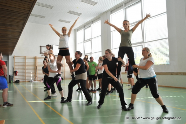 http://www.tanzkorps-rot-weiss.de/wp-content/gallery/trainingslager-2014/tkrw-training25.jpg?i=156937856